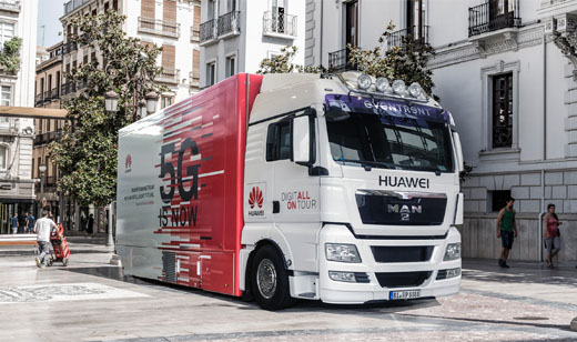 The Huawei 5G truck attracts interest and visits from government officials, professionals, teachers, students and journalists as it tours Europe.