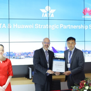 Huawei and IATA strike agreement at Stockholm airport summit